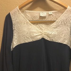 ANTHROPOLOGIE sweet lace top